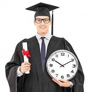 """Tre anni di studio in tre minuti di tesi: il dottorato è """"brevissimo"""""""