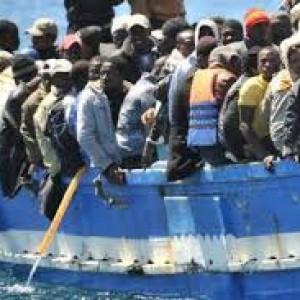 """Immigrazioni, verità e falsi miti sugli sbarchi, che sono tanti ma è sbagliato parlare di """"invasione"""""""