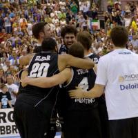 Basket, Trento promossa in serie A: la festa
