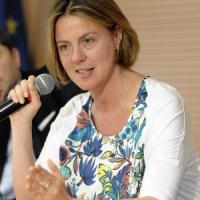 Sanità: da M5S mozione sfiducia al ministro Lorenzin sul caso Avastin-Lucentis