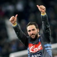 Napoli, ufficiale il test con il Barcellona. De Laurentiis: ''Higuain giocherà con noi''