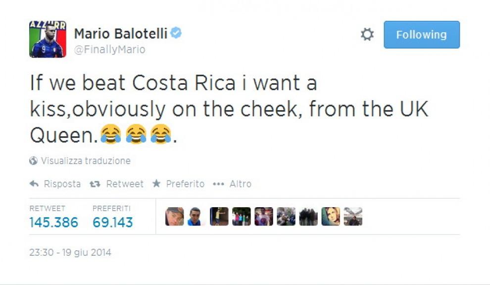 """Brasile 2014, Balotelli alla regina Elisabetta II: """"Voglio un bacio se battiamo Costarica"""""""