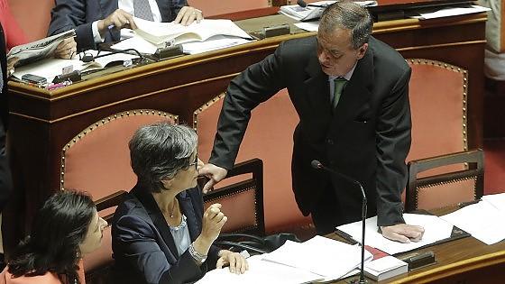 """Riforme, sul Senato il governo fa l'accordo con Lega e Forza Italia. Renzi: """"Ottimo"""""""