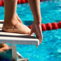 Verruche, batteri e fughi: come evitare le insidie in piscina