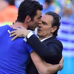 """Nazionale, Buffon: """"Solo i senatori hanno tirato la carretta"""". De Rossi: """"Servono uomini non figurine"""""""
