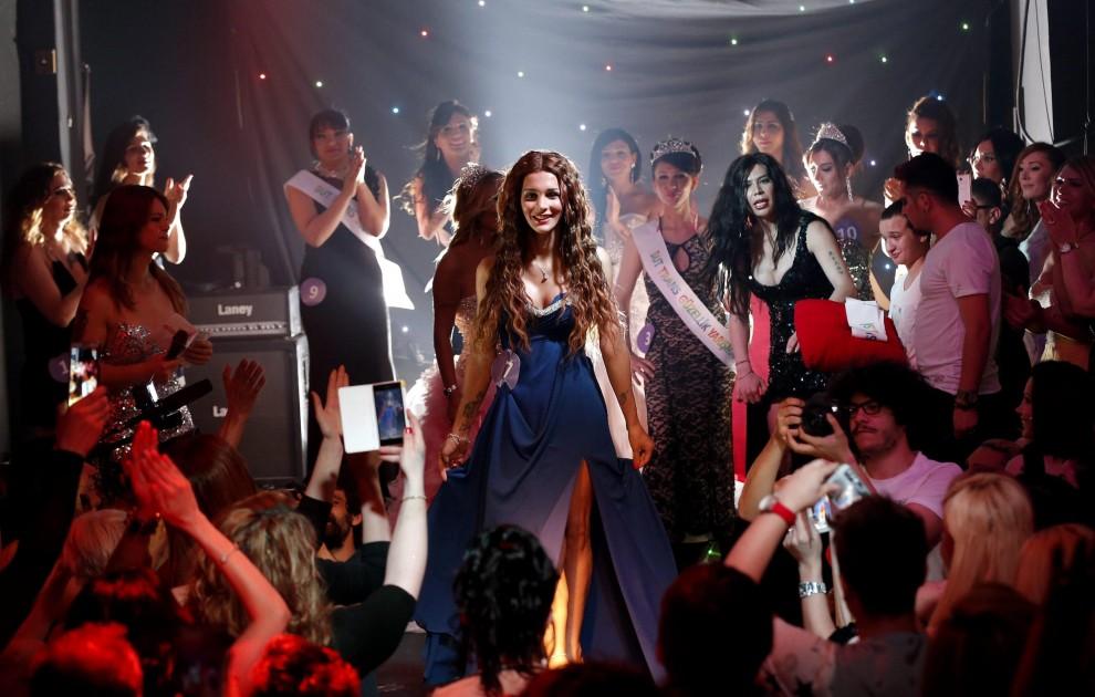 Istanbul, il primo concorso di bellezza per transessuali