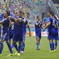 Bosnia-Iran 3-1, Dzeko e Pjanic lanciano agli ottavi la Nigeria