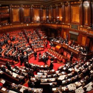 Fronda in maggioranza su Senato elettivo, divisa anche Forza Italia