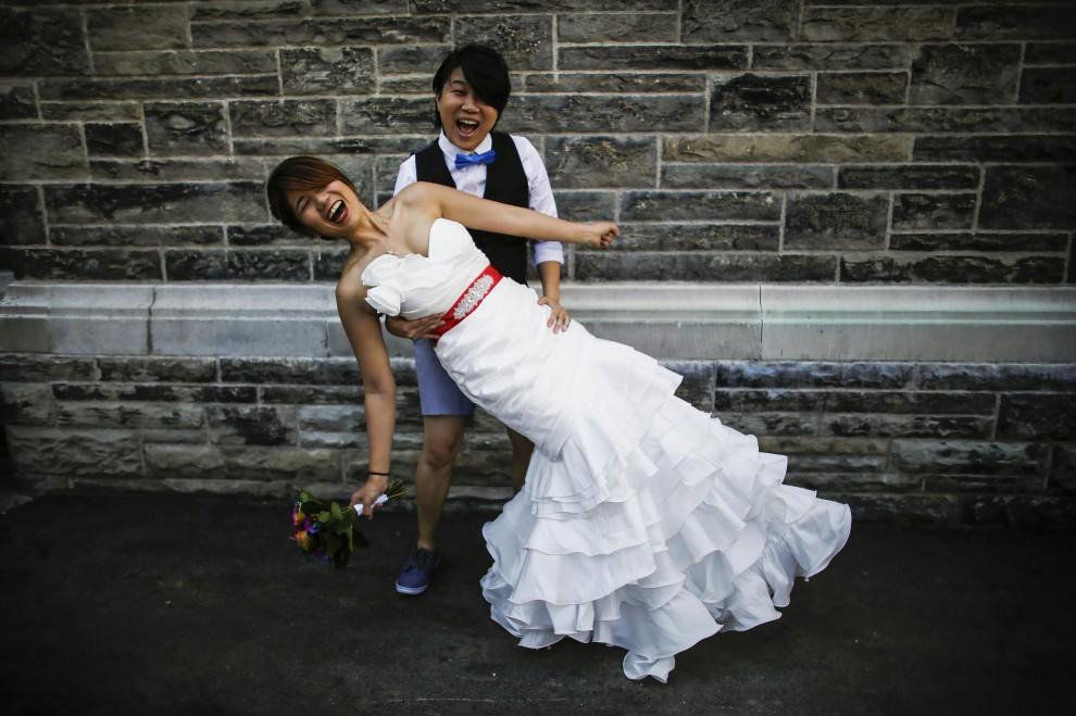 Worldpride a Toronto: nozze collettive per 115 coppie gay