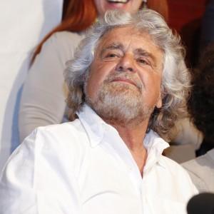 """Grillo minaccia il giornalista di Repubblica Ciriaco: """"E' uno stalker, durerà poco"""""""
