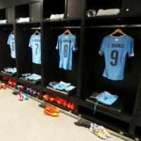 """Uruguay, la difesa di Suarez: """"Ho sbattuto la bocca sulla spalla di"""