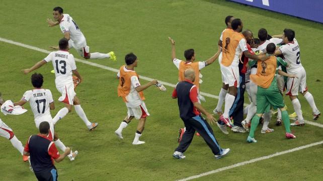 Costarica-Grecia 6-4 dcr, centroamericani ai quarti contro l'Olanda