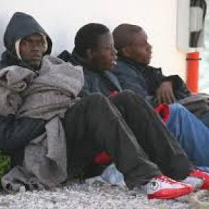 Profughi siriani, a Melilla la pressione quotidiana di un'enorme massa di disperati