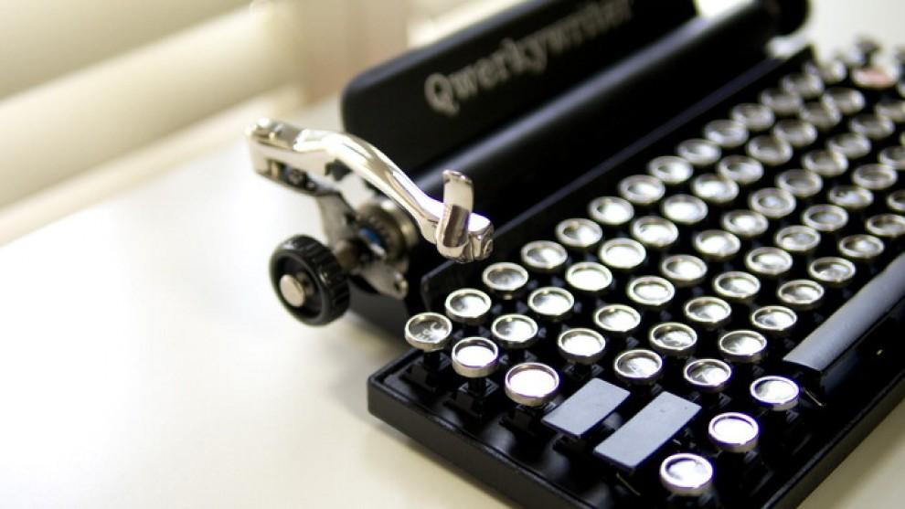 la tastiera usb vintage sembra una macchina da scrivere