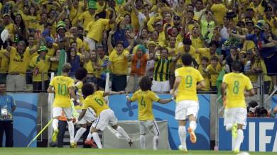 Brasile-Colombia 2-1, grazie ai difensori. Ma la Seleçao perde Neymar. Ora la Germania