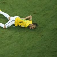 Brasile 2014, vertebra rotta per Neymar: mondiali finiti