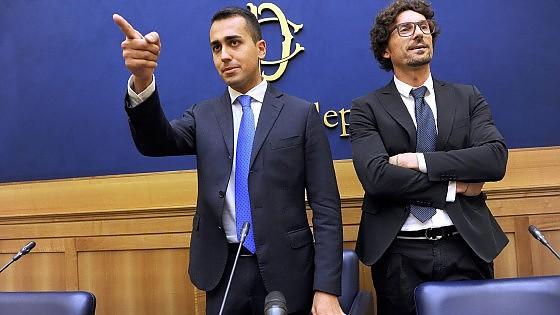 """Riforme, Grillo al Pd: """"Sbruffoni"""". Ma poi pubblica le risposte online. Napolitano: """"Basta rinvii"""""""