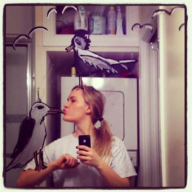 Selfie allo specchio l 39 autoscatto creativo spettacoli - Selfie in bagno ...