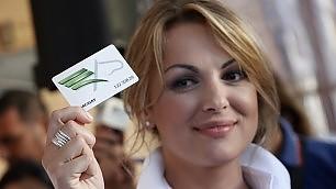 """Francesca Pascale va all'Arcigay: """"Silvio? D'accordo sui diritti""""    L'articolo    /    Le foto   /   Rnews"""