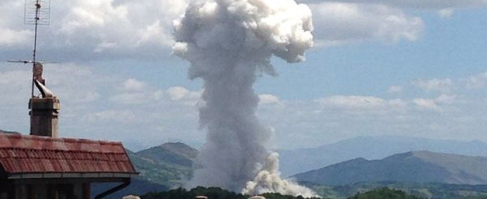 L'Aquila, esplode fabbrica di fuochi d'artificio: tre morti, tre feriti e ancora un disperso