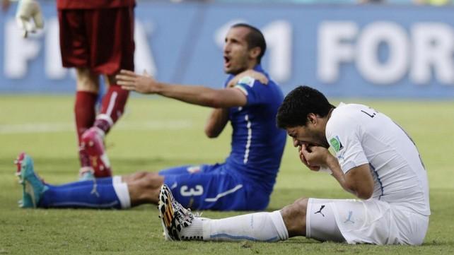 Uruguay, niente sconti per Suarez: Fifa conferma squalifica