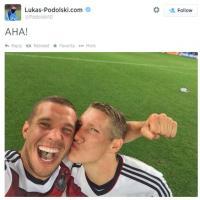 Brasile 2014, il selfie di Podolski e Schweinsteiger