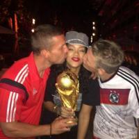 Brasile 2014, Rihanna regina del Maracanà: selfie e sorrisi