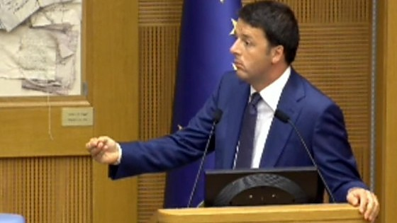 """Riforma Senato, Renzi riunisce i suoi: """"Vi chiedo impegno, poche ferie e tempi certi"""""""