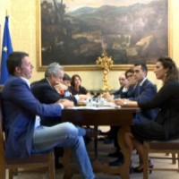 Legge elettorale, la proposta M5s: preferenze e doppio turno. Renzi apre al ballottaggio fra le liste più votate