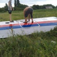 Boeing precipita tra Russia e Ucraina: le immagini da Twitter