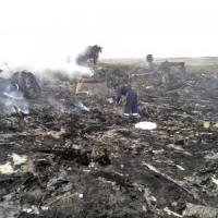 Aereo civile abbattuto da missile in Ucraina: 298 morti. Scambio di accuse tra Kiev e Mosca