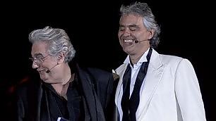 Bocelli e il maestro Domingo magia Teatro del Silenzio