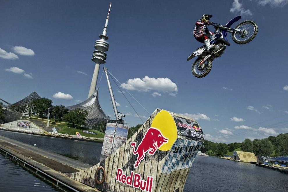 Monaco, Red Bull tour 2014: il motocross è sull'acqua
