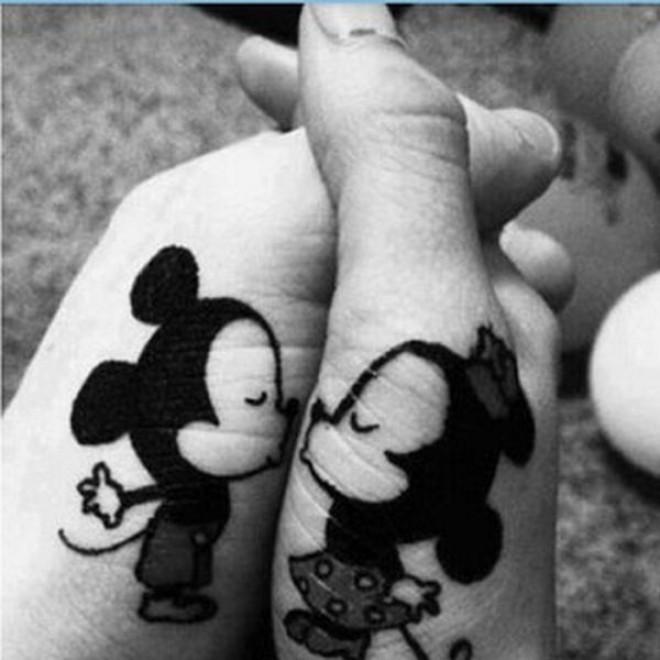 Preferenza Un disegno per due: i più bei tattoo di coppia - Repubblica.it BA42