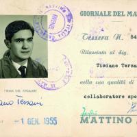 Nel cassetto di Terzani: passaporti e tessere, le chiavi del suo mondo