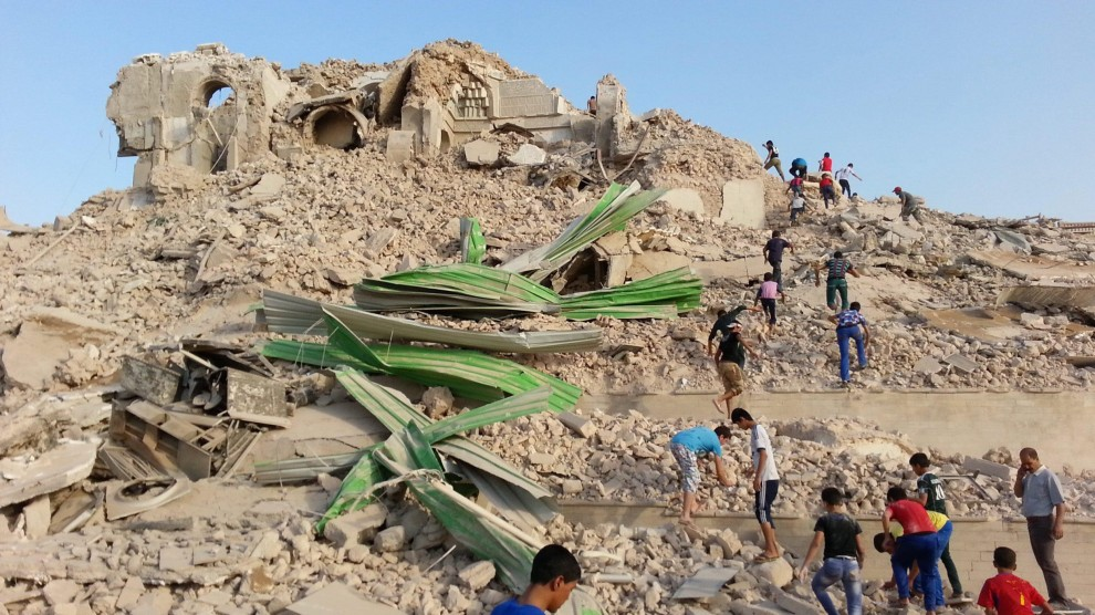 Iraq, jihadisti distruggono la moschea di Giona