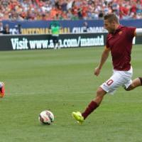 Amichevoli: La Roma si arrende allo United, ma è super-Pjanic