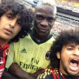 Balotelli, fan in campo Partita interrotta per selfie