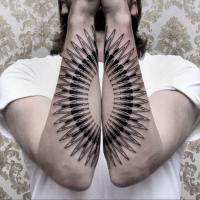 Labirinti sulla pelle: le creazioni dell'artista berlinese