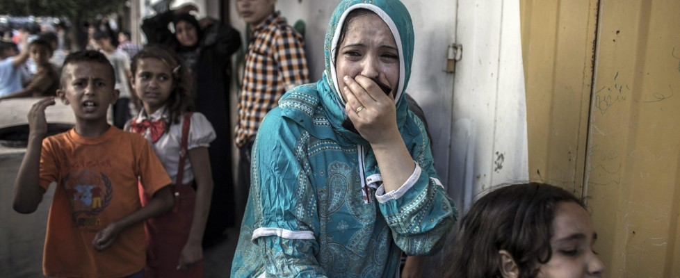 Gaza, missile uccide 9 bimbi palestinesi in parco giochi. Nuovi attacchi aerei sulla Striscia