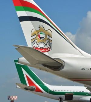 """Alitalia, Etihad scrive a Del Torchio: """"Preoccupati per i tempi e i conti"""". Poste investirà 65 milioni"""
