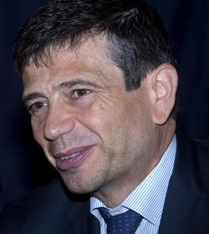 """Auto, il ministro Lupi annuncia:<br />""""Il governo studia gli incentivi"""""""