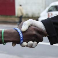 """Ebola, allarme di Medici senza frontiere: """"Epidemia rischia di colpire altri Paesi"""""""
