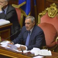 """Riforme, Grasso: """"Ieri condotte inaccettabili"""". Rientrata protesta di Lega, Sel e M5s"""