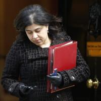 """Gran Bretagna, si dimette il ministro musulmano: """"Indifendibile il governo che tollera gli attacchi a Gaza"""""""