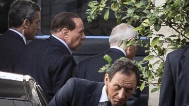 """Riforme, Berlusconi 3 ore da Renzi  """"Passi avanti sulle soglie   foto    ma cautela sulle preferenze""""   video"""