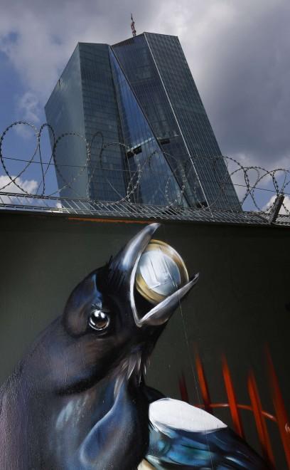 Francoforte graffiti polemici sulla nuova sede della bce