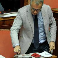 """Senato, Ciampolillo (M5s) scopre il """"pianista"""" di Fi: Manuela Repetti"""