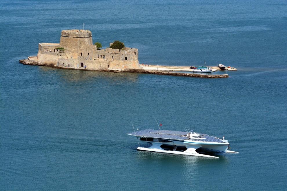 Turanor, giro in Grecia per il catamarano ecologico