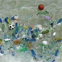 Nei mari d'Italia 27 rifiuti galleggianti ogni kmq